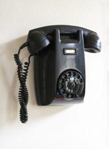 phone-385013_640